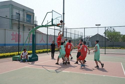 热血拼搏 张扬青春 ——齐峰新材篮球友谊赛圆满落幕