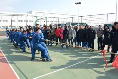 2018年3月8日,公司组织三八妇女节拔河比赛