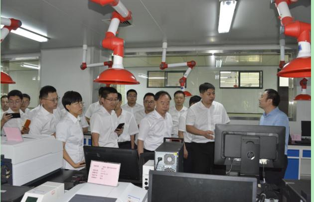齐峰团队参观齐鲁工业大学国家重点实验室